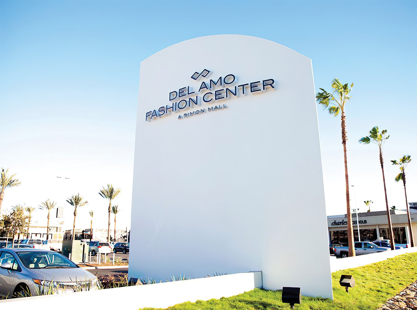 Del Amo Fashion Center located in Torrance, California. Project monumentation and project identity signage.