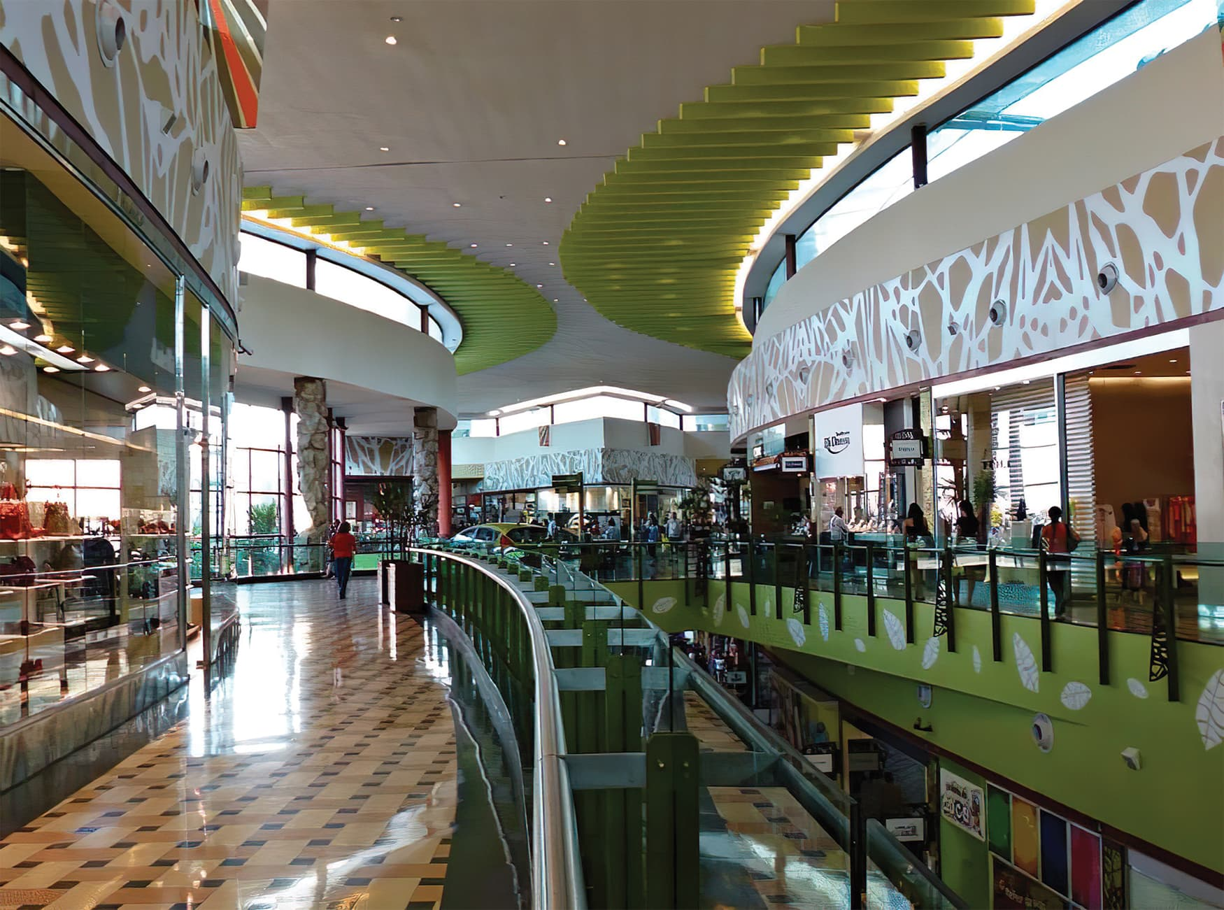 Manauara Shopping, a retail destination project located in Brazil. Food Hall Design.