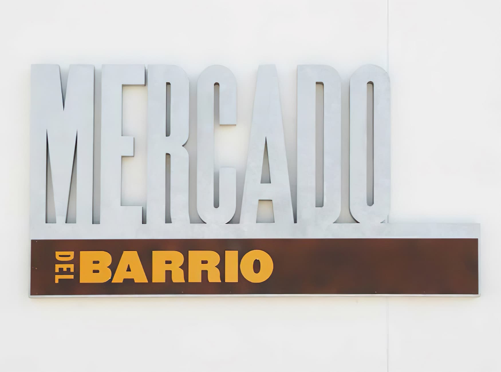 RSM Design worked with Shea Properties to prepare wayfinding signage, environmental graphics, and placemaking elements for Mercado del Barrio, a residential and commercial mixed-use development located in San Diego, California. Identity Signage.