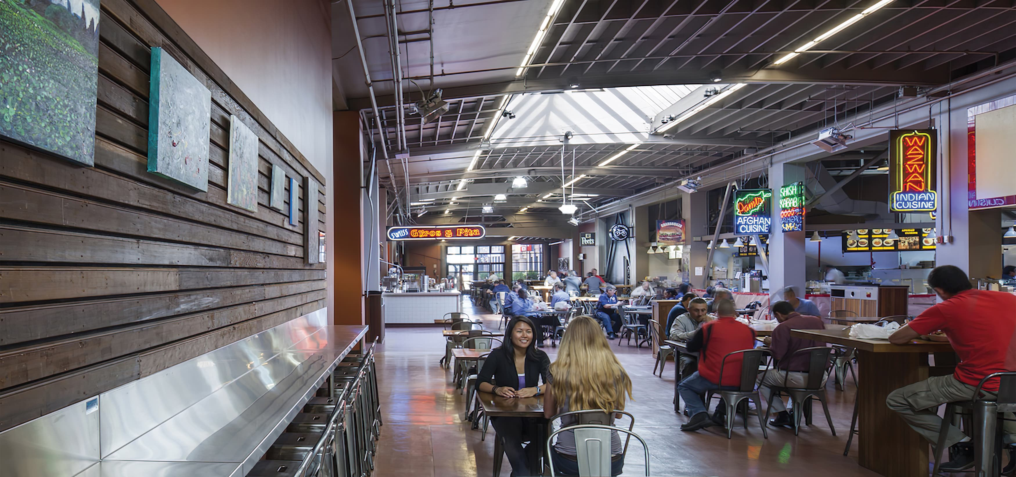 RSM Design worked with TMG Partners to develop signage and wayfinding program for Public Market, a dining and shopping center in San Francisco, California. Food Hall Design.