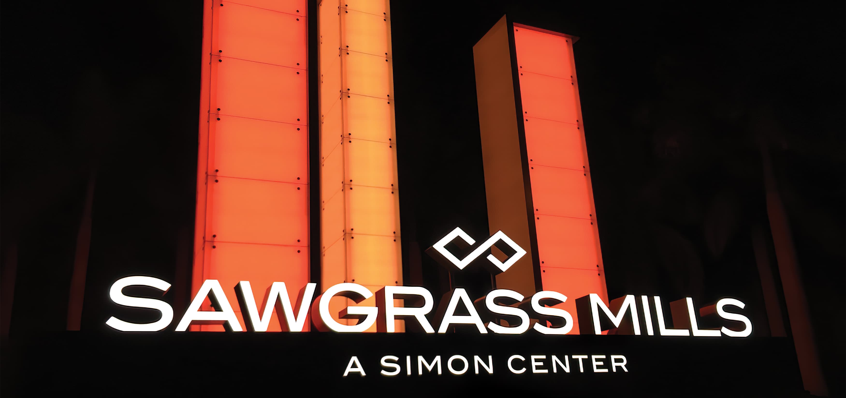 RSM Design worked to develop wayfinding signage, environmental graphics, and placemaking elements for Sawgrass Mills, a Simon Center located in Sunrise, Florida.