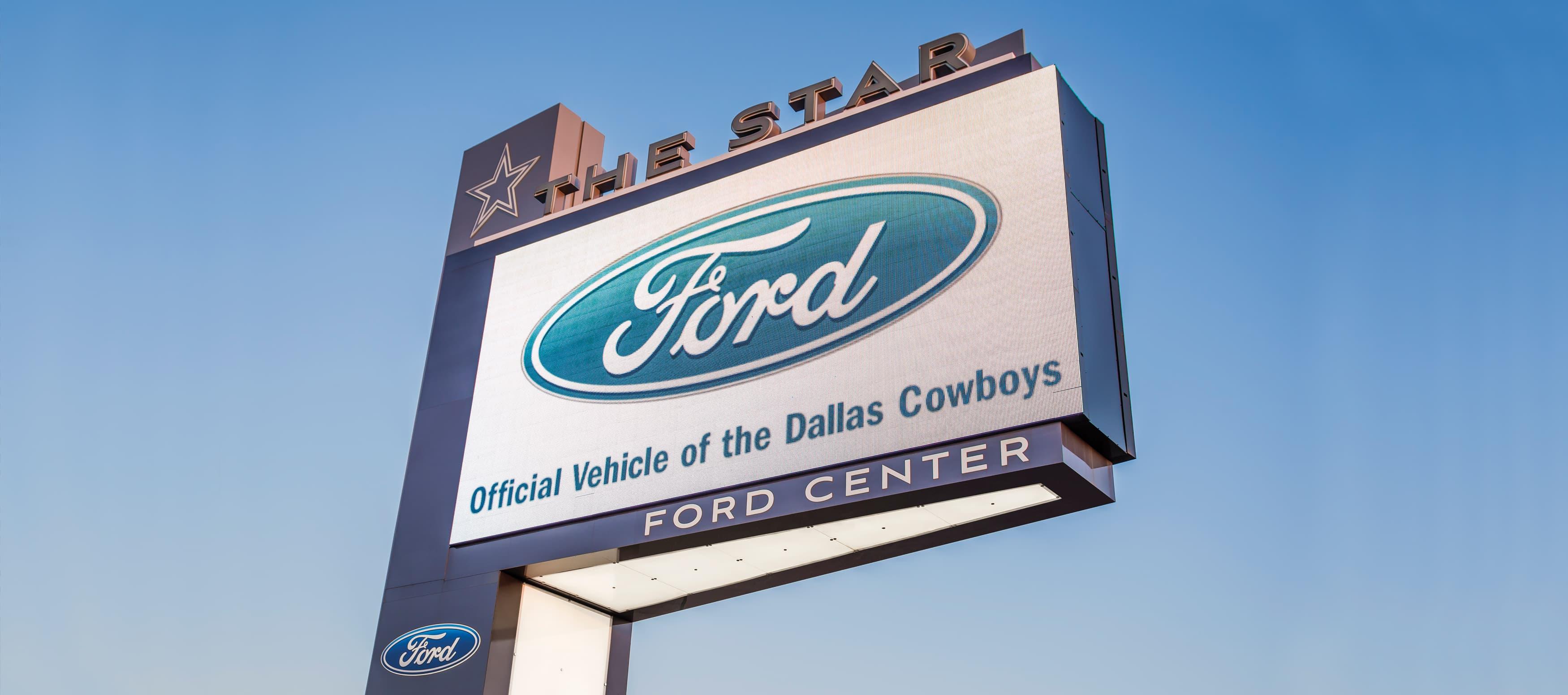 digital sign off of freeway for dallas cowboys football team