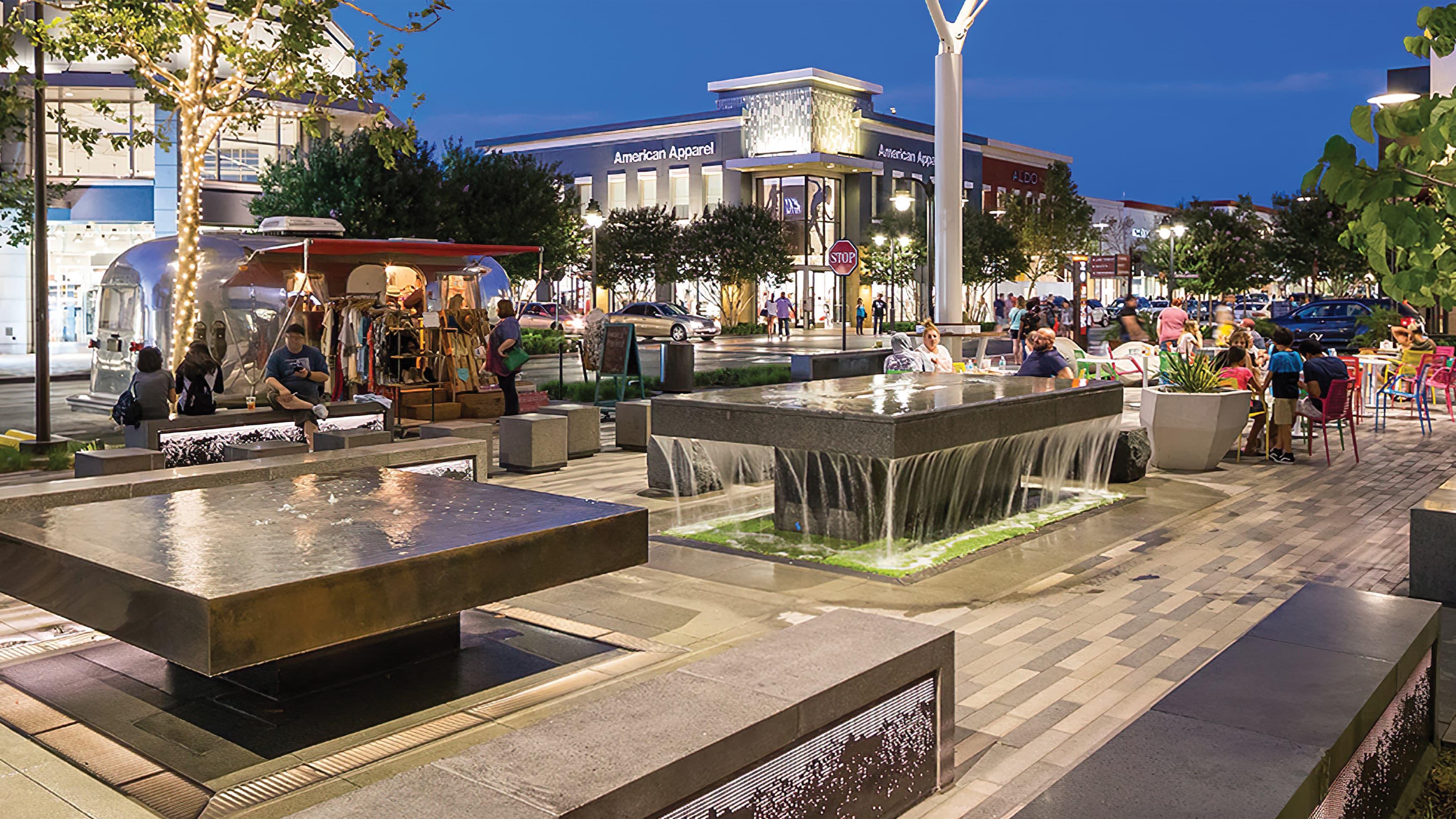 An example of a social-media friendly environment: Victoria Garden's Monet Avenue