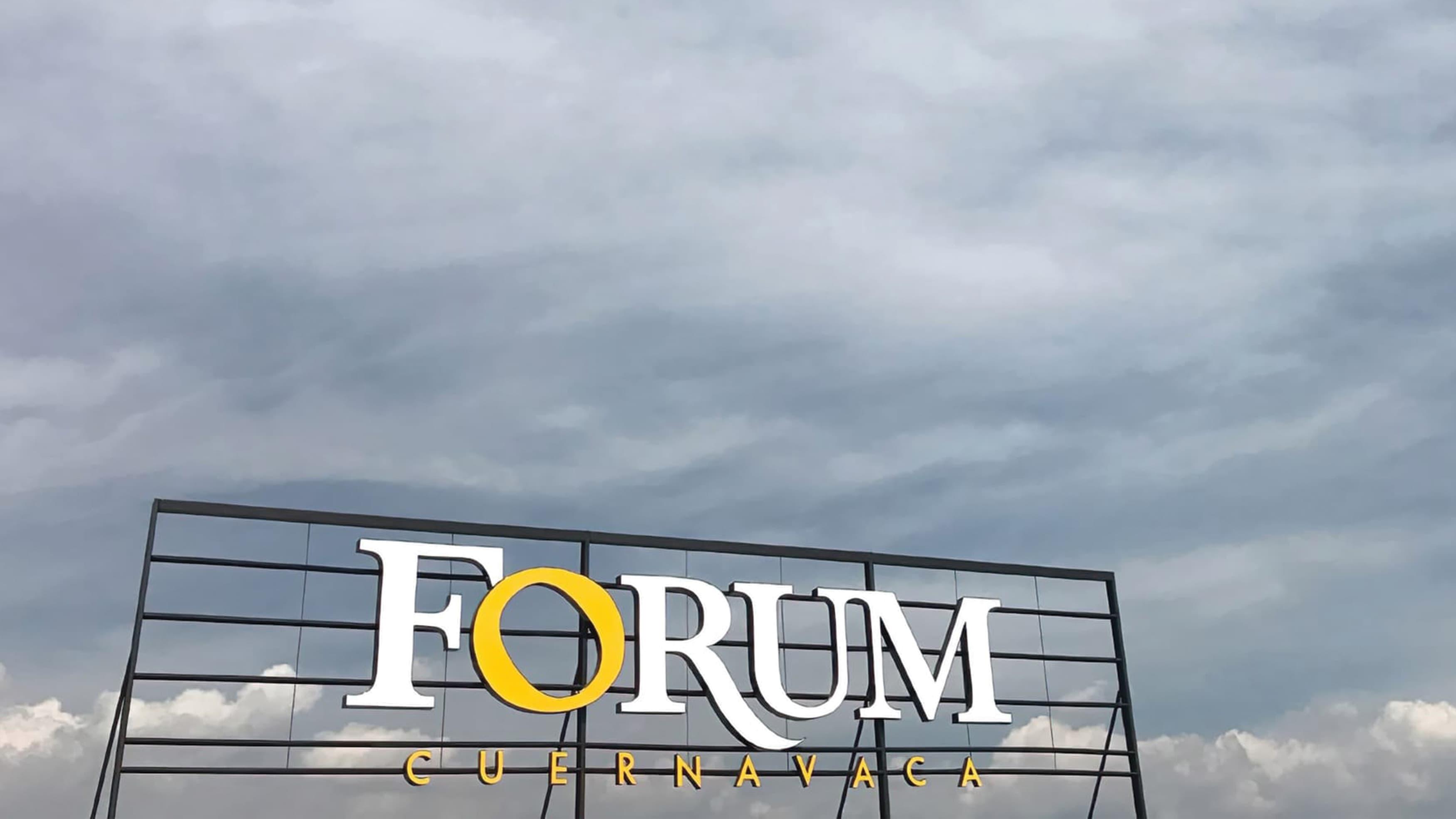 Forum Cuernavaca retail signage on rooftop in Mexico