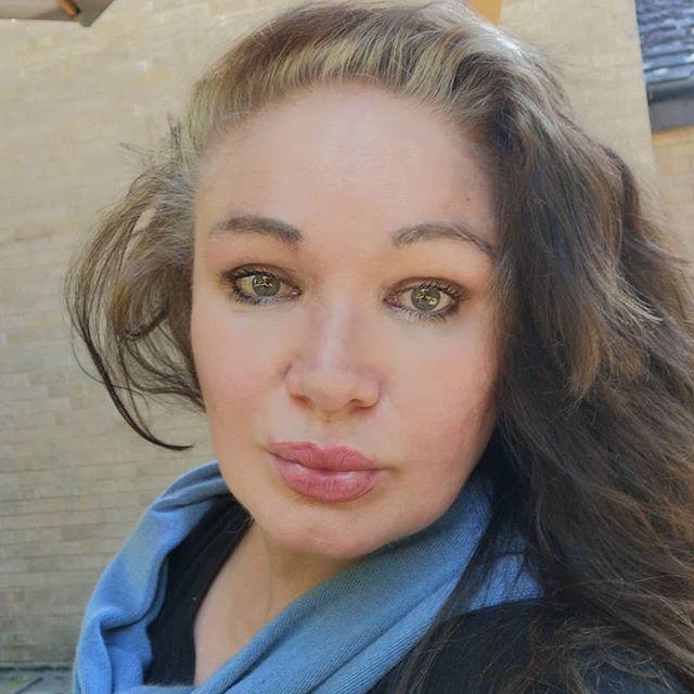 Dr Sarah -Jayne a leading technology evangelist on Engati CX