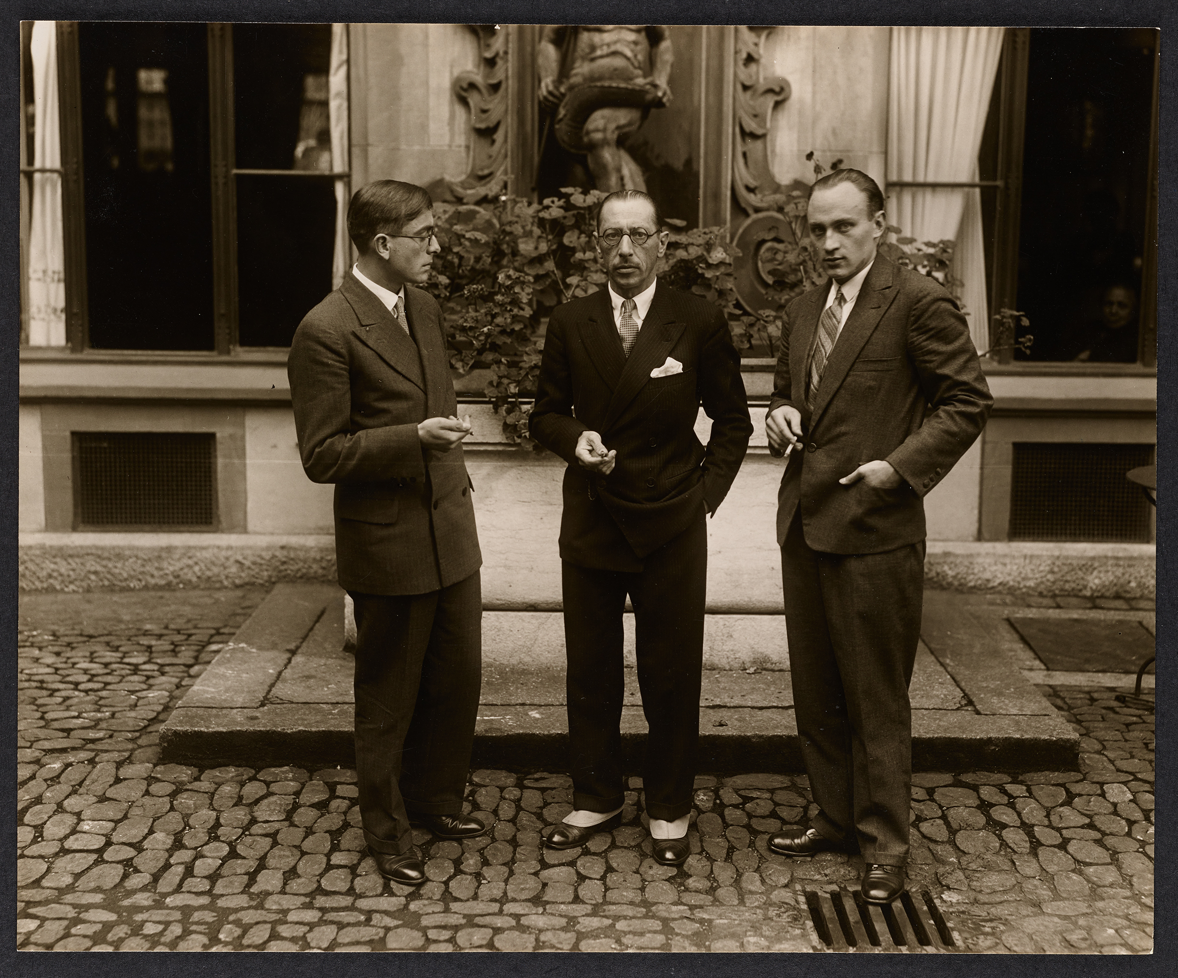 Igor Stravinsky with Paul Sacher (on the right) and Conrad Beck (on the left) 1929 after a concert in Basel. © Paul Sacher Stiftung