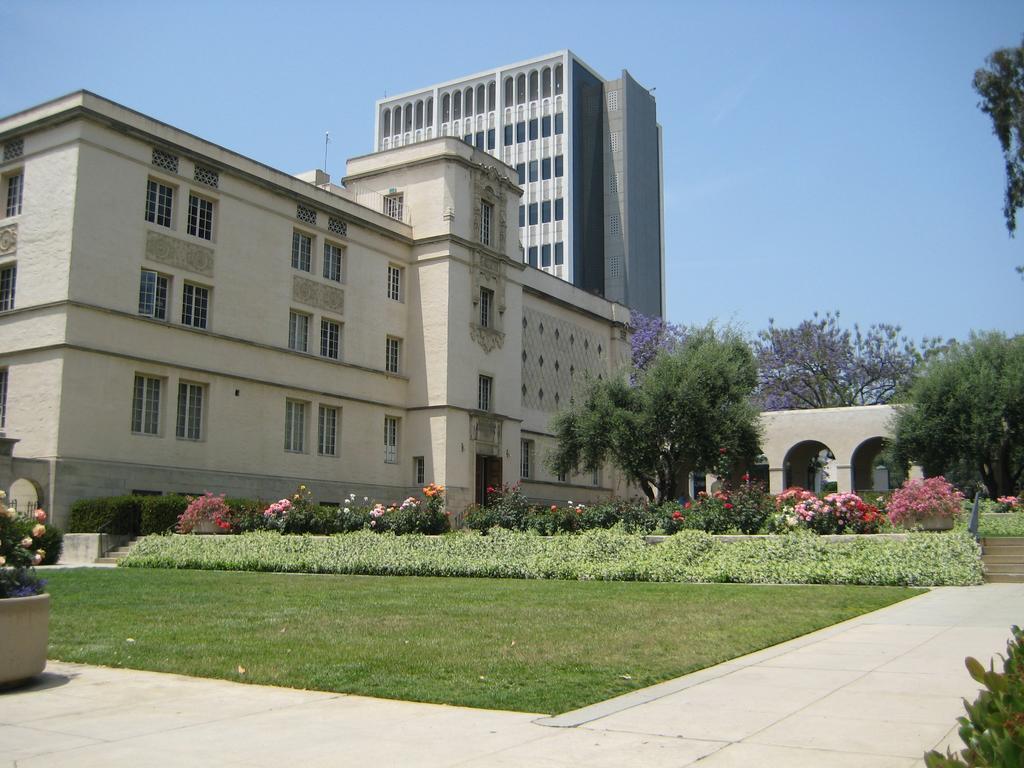 California Institute of Technology (Cal Tech)