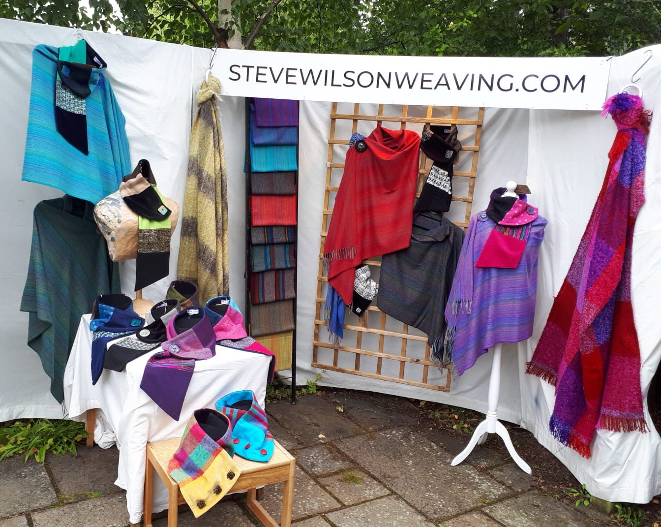 Weaver of Cashmere and Neckwraps by Kim – Virtual Stall