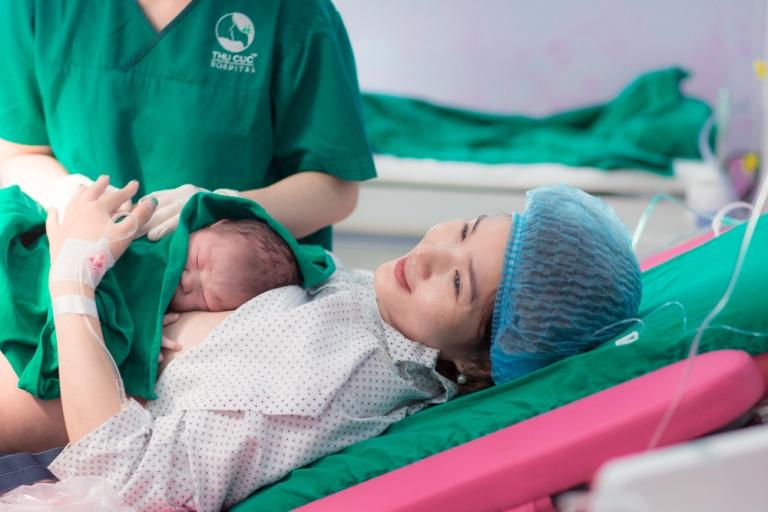 Mang thai và sinh con là hành trình 280 ngày đầy khó khăn, vất vả của mẹ bầu.