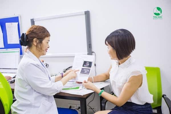Thăm khám bác sĩ để xác định nguyên nhân và có biện pháp điều trị kịp thời