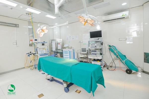 Hệ thống phòng mổ hiện đại tại Bệnh viện Thu Cúc.