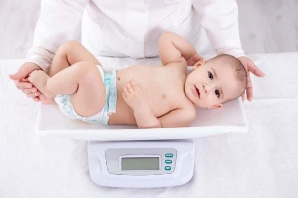Đo chiều cao cân nặng của bé thế nào là đúng