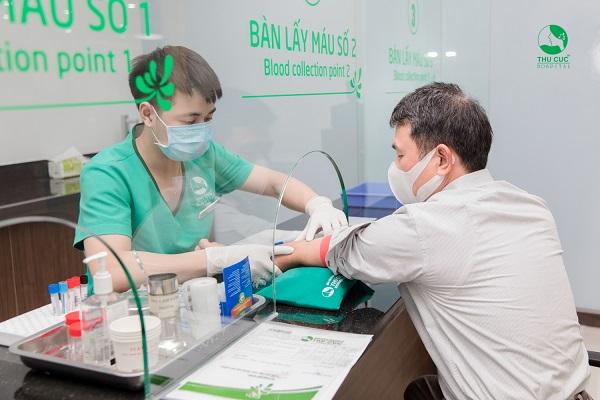 Xét nghiệm máu trước khi thực hiện nội soi dạ dày