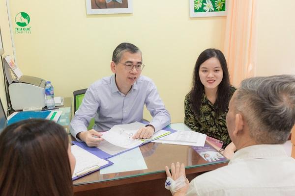 điều trị bệnh ung thư đại tràng với chuyên gia ung bướu singapore
