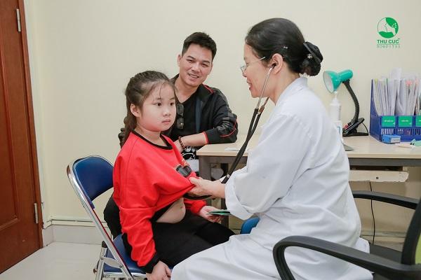 điều trị sốt virus ở trẻ em