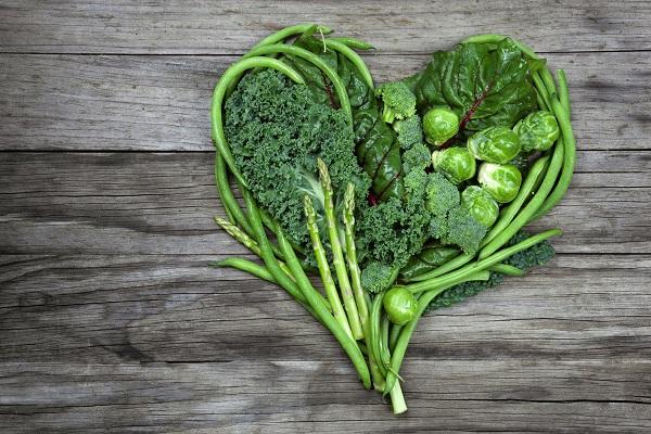 Tăng cường rau xanh, hạn chế chất béo giúp phòng gan nhiễm mỡ
