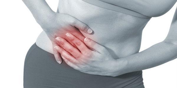 Những cơn đau vùng hạ sườn là biểu hiện của bệnh polyp túi mật.