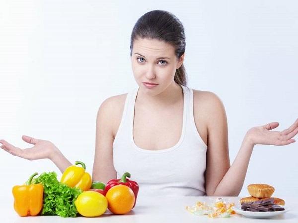 Chế độ ăn uống thiếu lành mạnh là một trong những nguyên nhân gây bệnh đau dạ dày