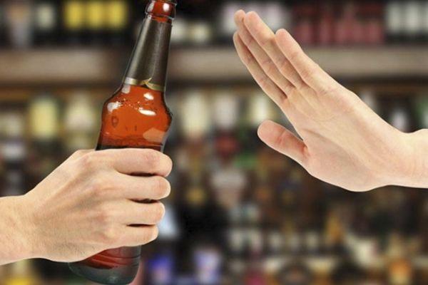 Mẹ bầu cần tránh các chất kích thích, rượu bia sau khi tiêm phòng uốn ván