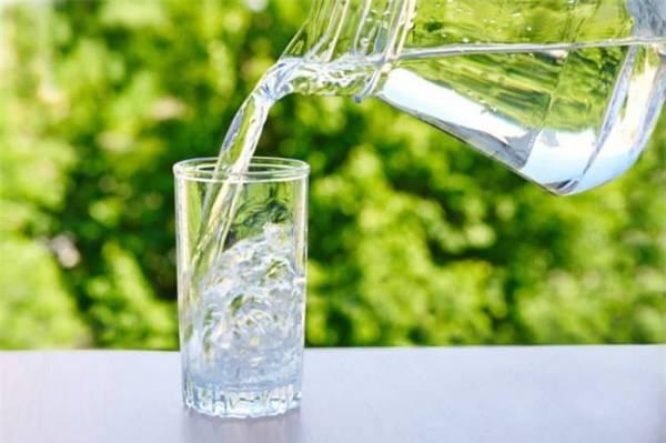 Cần bổ sung nước và điện giải khi bị tiêu chảy