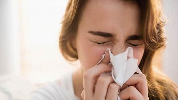 Viêm mũi dị ứng là bệnh miễn dịch do tác nhân gây dị ứng (dị nguyên) hoặc cơ địa quá mẫn cảm với dị ứng gây ra. (ảnh minh họa)
