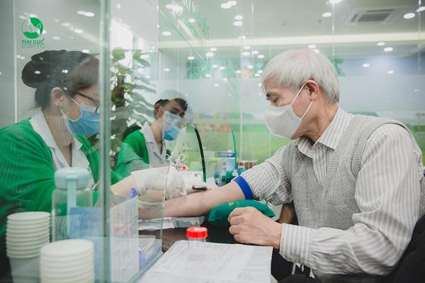 Xét nghiệm máu, nước tiểu tại cơ sở y tế uy tín để đánh giá chính xác nhất chỉ số LEU - Leukocytes, chẩn đoán kịp thời và điều trị hiệu quả