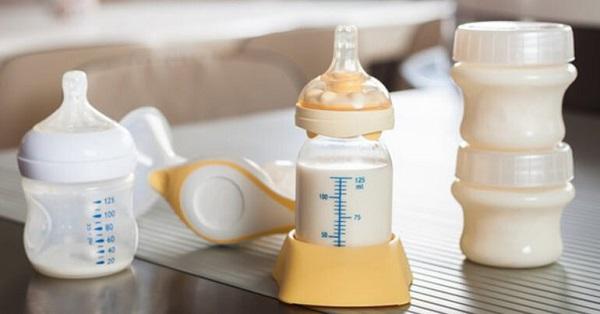 Sữa mẹ sau khi vắt có thể sử dụng trong vòng 4 - 6 giờ