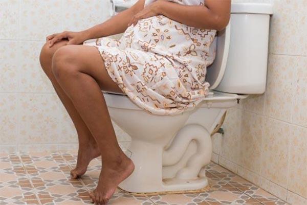 Táo bón thường xuất hiện ở phụ nữ mang thai