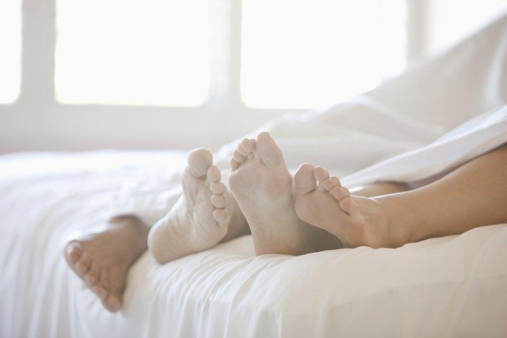Quan hệ tình dục không an toàn chính là yếu tố hàng đầu gây lây truyền virus HPV