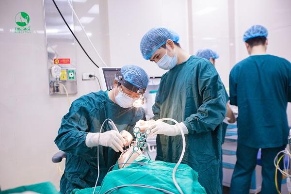 Cắt amidan là một trong những phương pháp điều trị dứt điểm viêm amidan