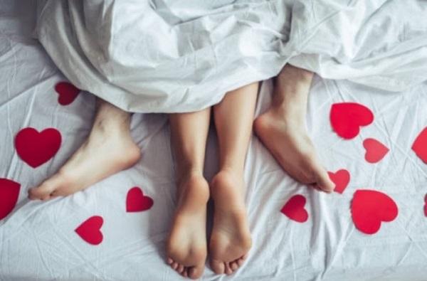 Chọn tư thế yêu phù hợp sẽ giúp thụ tinh dễ dàng