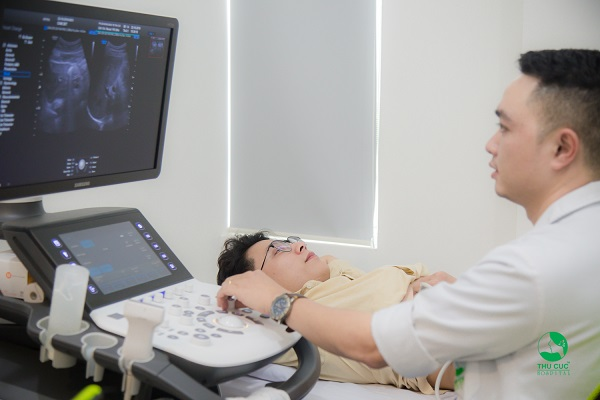 khi khám sức khỏe sinh sản, nam giới sẽ được thực hiện các xét nghiệm, siêu âm cần thiết