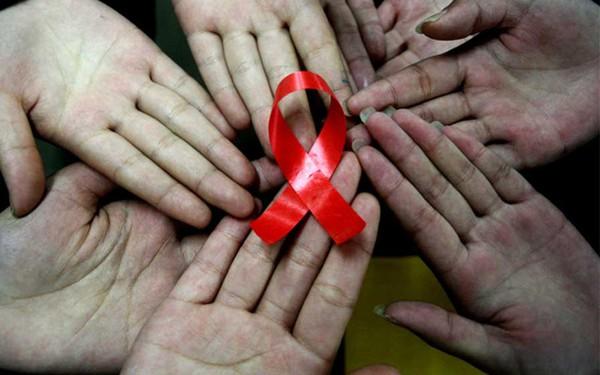 Hãy giúp đỡ người bị HIV tái hòa nhập với cộng đồng