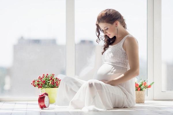 Hiện tượng chóng mặt thường xuất hiện khi mẹ bầu bị hạ đường huyết