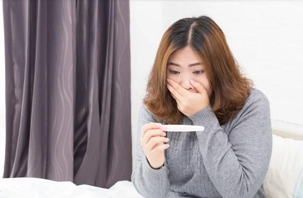 Hiện tượng trứng rỗng vẫn cho kết quả test que thử thai lên 2 vạch