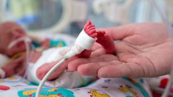 Thiếu máu hồng cầu nhỏ gây ảnh hưởng lớn tới sức khỏe thai nhi khi chào đời