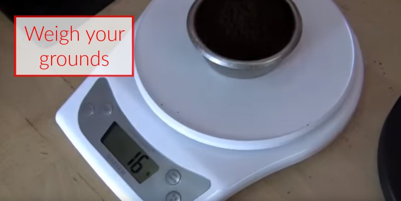 how to make espresso step 5 weigh your grounds