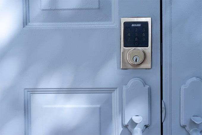 Can tenant change the door lock?