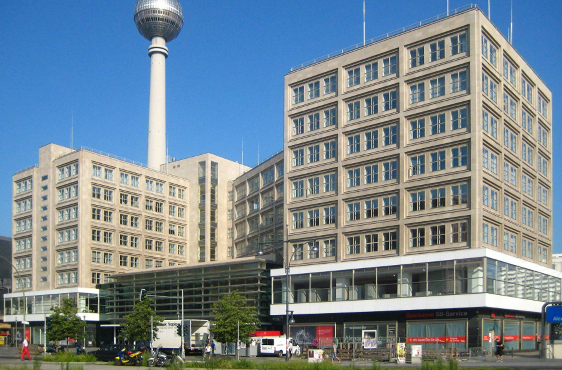 Linus Capital provides financing for CENTRUM development at Alexanderplatz