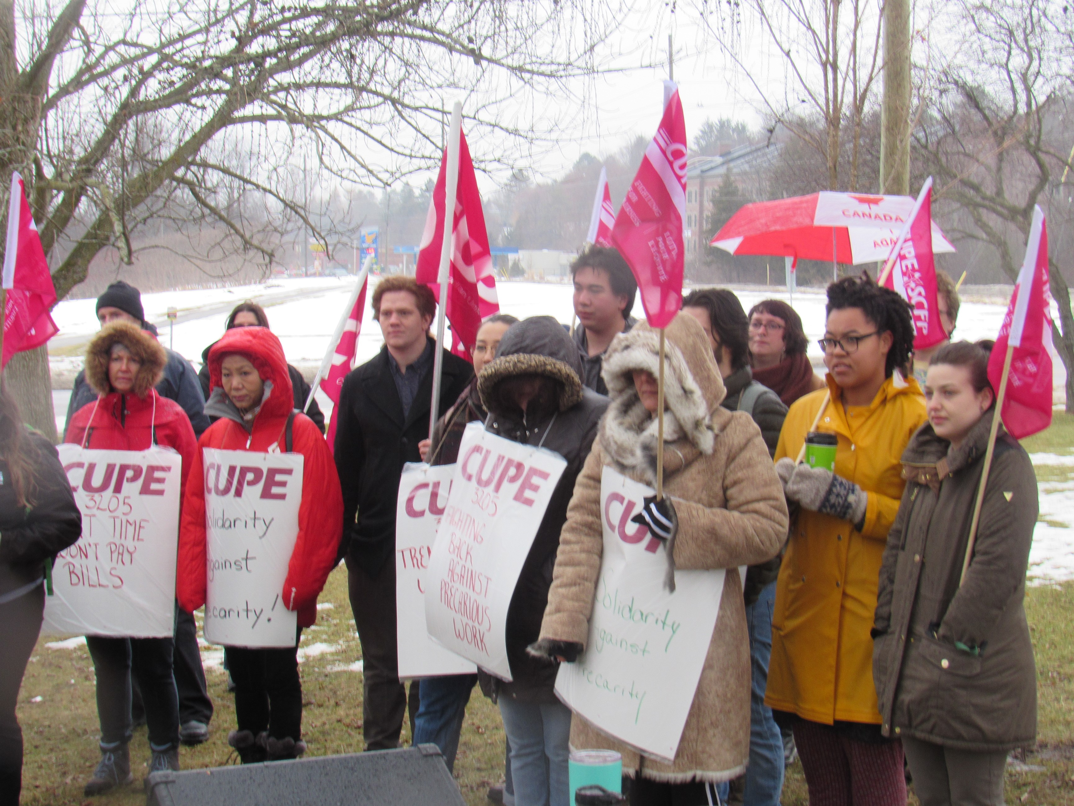 Food Service Workers Rally Against Precarity