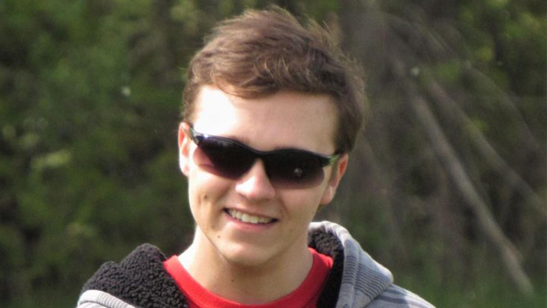 Community Mourns Brett LeBlanc