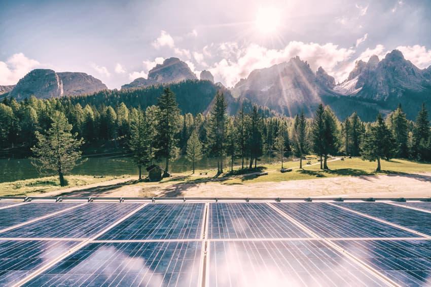 Stromerzeugung mit Sonnenenergie und ohne fossile Brennstoffe
