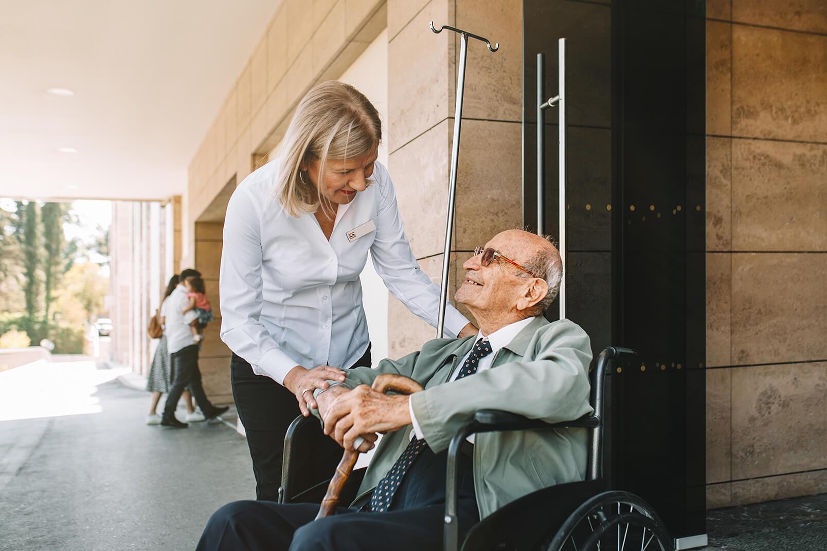 Πρόσβαση στην καλύτερη φροντίδα - Hero Image