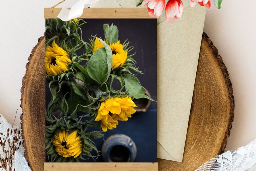 Sienas dekors -Saulespuķes vāzē/ Anda Rada