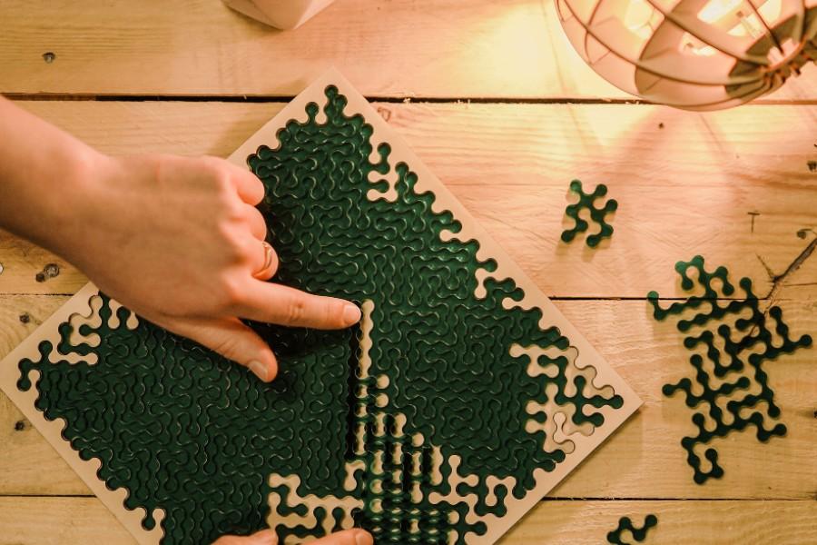Zaļā fraktālā puzle/ KLIK