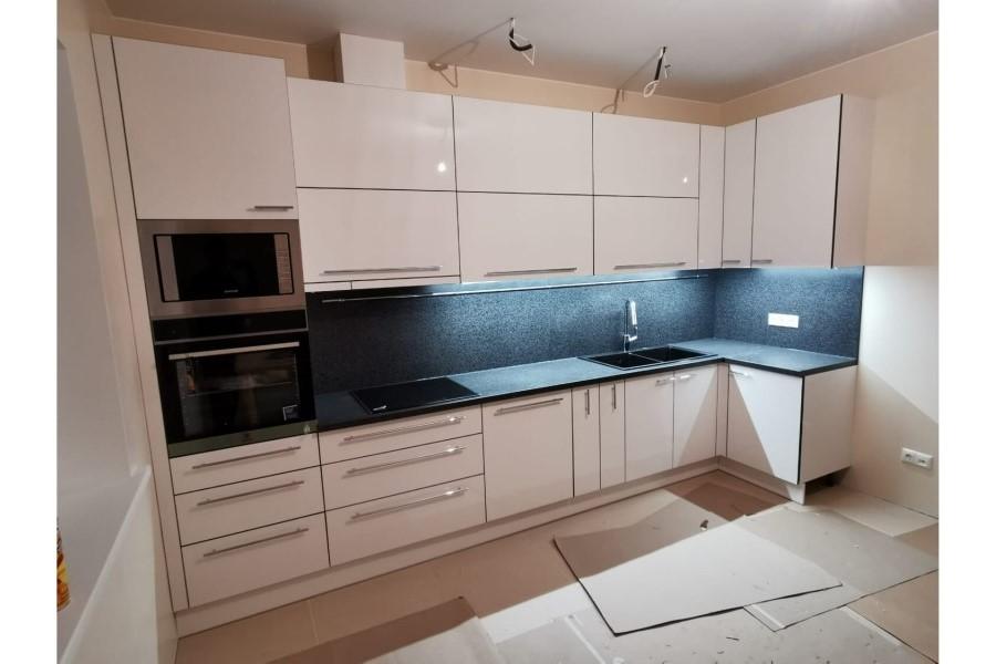 Virtuves iekārtu, virtuves mēbeļu izgatavošana pēc Jūsu pasūtījuma. Individuāla pieeja katra produkta izgatavošanā.