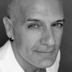 Headshot of Alberto del Saz
