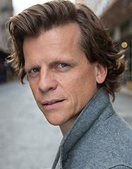 headshot of Oliver Henzler