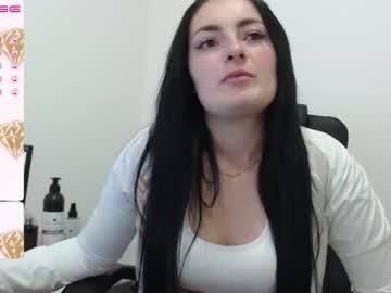 pretty_brunette_22