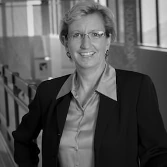 Joan Menke-Schaenzer